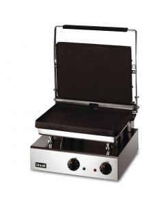 This is an image of a Lincat Lynx 400 Electric Heavy Duty Contact Grill GG1