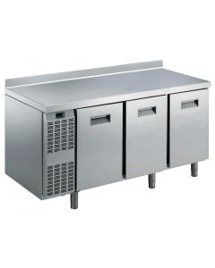 This is an image of a Electrolux Benefit Line refrigeration Counter 3 Door 415Ltr StSt with Upstand RCSN3M3U